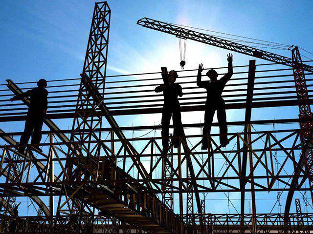 Nhà thầu tham gia thi công xây dựng công trình phải có đủ điều kiện năng lực phù hợp với loại, cấp công trình và công việc xây dựng
