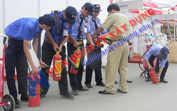 Khóa đào tạo phòng cháy chữa cháy chuyên nghiệp cho lực lượng bảo vệ