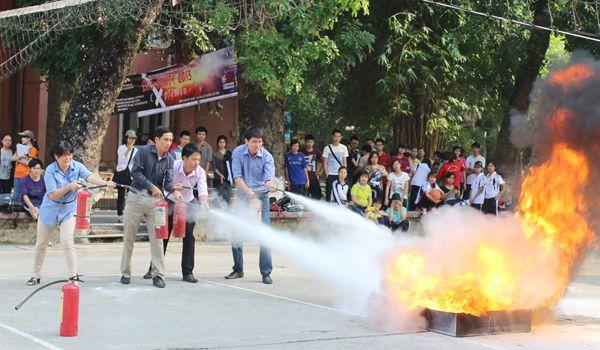 Khung chương trình học Phòng cháy chữa cháy được lên theo đúng tiêu chuẩn của Bộ Công an