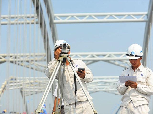 Cá nhân phải chuẩn bị đầy đủ giấy tờ cần thiết để được cấp Chứng chỉ hành nghề giám sát công trình giao thông cầu đường