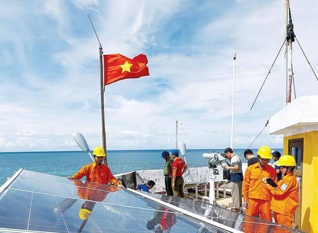 EVN đã góp công lớn trong việc đưa lưới điện ra tới biển đảo.